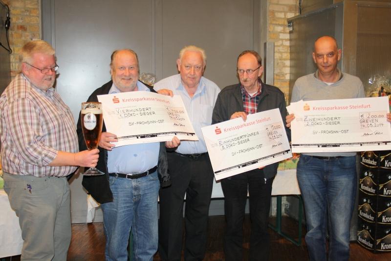 Turniergewinner: Helmut Tünte (Vorsitzender), Felix Grube (1. Platz), Werner Teupe (Schirmherr) Bernhard Möllenkamp (3. Platz)Josef Wilmsen (2. Platz)  (von links)